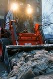 Limpieza de la nieve Imagen de archivo libre de regalías