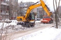 Limpieza de la nieve de la carretera Foto de archivo