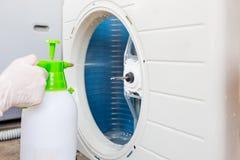 Limpieza del acondicionador de aire fotografía de archivo