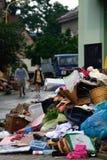 Limpieza después de la inundación Fotos de archivo libres de regalías