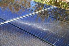 Limpieza fotovoltaica, antes y después imágenes de archivo libres de regalías