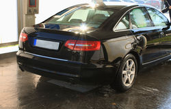 Limpieza que se lava del coche con hola agua ejercida presión sobre Imagenes de archivo