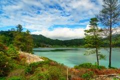 Linau sjö i Tomohon Royaltyfri Foto