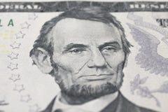 Lincoln Abraham stående på dollarräkning Royaltyfria Foton