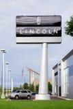 Lincoln Automobile Dealership Imagen de archivo libre de regalías