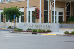 Lincoln City Hall Sign Arkivbilder