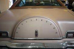 Lincoln Continental bij 3de uitgave van MOTO wordt getoond TOONT in Krakau dat Royalty-vrije Stock Foto