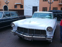 Lincoln Continental Mark II coupé in Lima wordt tentoongesteld dat Stock Fotografie