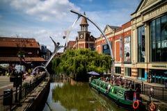 Lincoln Förenade kungariket - 07/21/2018: Floden Witham gående thr arkivfoto