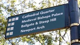 LINCOLN, het UK - Padestrian-Straatteken voor steile heuvel en catheder Royalty-vrije Stock Foto
