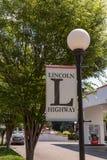 Lincoln Highway Banner auf Lightpole Stockbilder