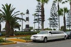 Lincoln-Limousine parkte in Miraflores-Bezirk von Lima lizenzfreie stockbilder