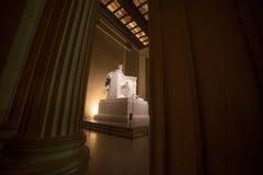 Lincoln Memorial in - mellan pelare Royaltyfria Foton