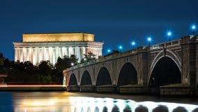 Lincoln Memorial och Arlington bro Arkivfoto