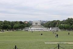 Lincoln Memorial och reflexionen slår samman, sikten från Washington Memorial, USA Arkivfoton