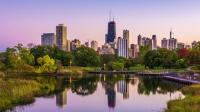 Lincoln Park, Skyline Chicagos, Illinois stock video footage