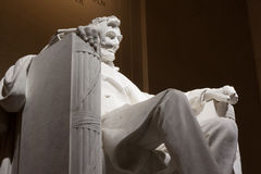 Lincoln Seated dans Lincoln Memorial Photographie stock libre de droits