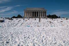 Lincon minnesmärke i snö Arkivfoton