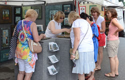 Linda Chamberlain at Ann Arbor Art Fair royalty free stock image
