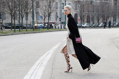 Linda-tol Ausführungsbrücke Mailand, Mailand Modewoche streetstyle Herbstwinter 2015 2016 Lizenzfreie Stockfotos