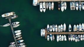 Linda vista da baía com vista aérea de iates video estoque