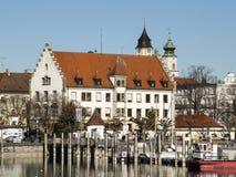 Lindau hamn med byggnader Arkivbild