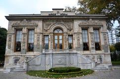 Linden Pavilion, l'ottomano della villa della campagna più bello Immagine Stock Libera da Diritti
