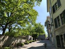 Lindenhof - geschiedenis-Getrokken oase in het hart van de stad van Zürich stock foto