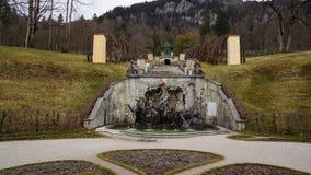 Linderhof historisk kunglig slott i bavaria royaltyfri bild