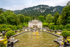 Linderhof palace with fountain Stock Photos