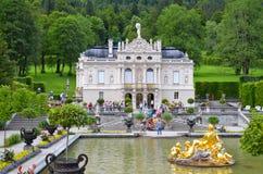 Linderhof slott, Tyskland 9 Royaltyfri Foto