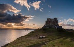 Lindisfarne城堡黄昏 库存照片
