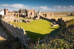 Lindisfarne小修道院废墟  图库摄影