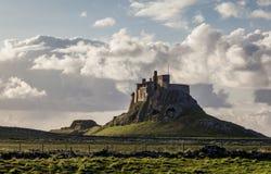Lindisfarne kasztel, Święta wyspa, Northumberland england UK obraz stock