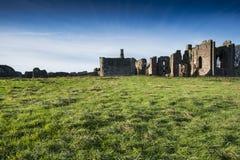 Lindisfarne priory na Świętej wyspie z Northumberland wybrzeża Zdjęcie Stock