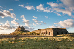 Lindisfarne-Schloss und Kalk-Brennofen stockfoto