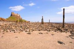Lindisfarne Schloss und Strand I stockbilder