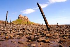 Lindisfarne Schloss von Strand II stockfotografie