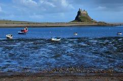 Lindisfarne slott på den heliga ön Royaltyfri Bild