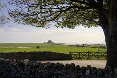 Lindisfarnekasteel op Heilig Eiland, Northumberland, Engeland. Royalty-vrije Stock Afbeeldingen