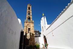 Lindos,罗得岛帕纳贾教会的钟楼  免版税库存照片