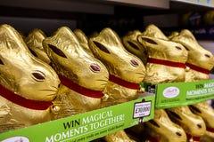 Lindt复活节兔子 库存照片