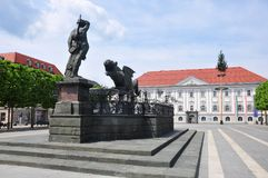 Lindwurmbrunnen (Lindworm fontanna) w Klagenfurt, Austria fotografia royalty free