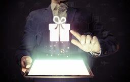 On-line για την επιλογή δώρων Στοκ Εικόνα