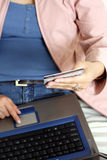 on-line ψωνίζοντας Στοκ Εικόνα