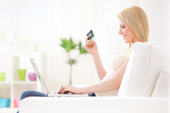 On-line-Einkaufen Stockbild