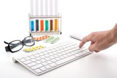 On-line pharmacy: choose what you need Royalty Free Stock Photos