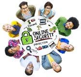 On-line-Sicherheits-Schutz-Internet-Sicherheits-Leute-Verschiedenartigkeit Conc lizenzfreie stockfotografie