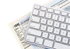 On-line-Steuer Lizenzfreies Stockfoto
