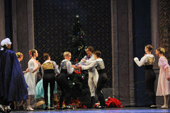 Line up для того чтобы получить Щелкунчика балета подарков- рождества Стоковое фото RF